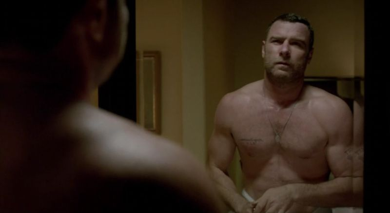 Liev-Schreiber-shirtless