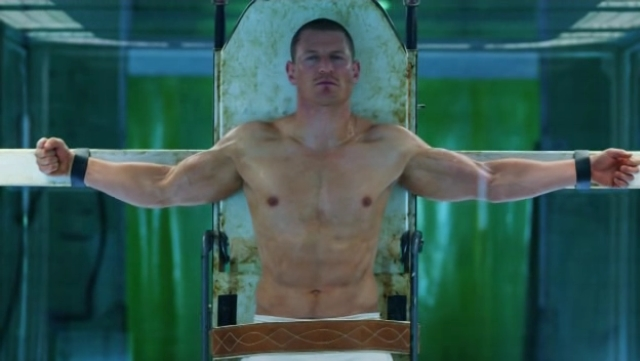Philip-Winchester-Shirtless